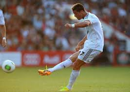 Renaldo scores a direct kick against Chelsea last week.